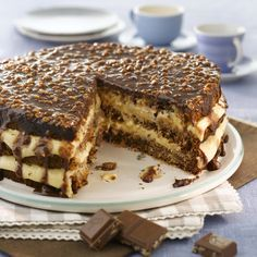 Firkløverkake Norwegian Cuisine, Norwegian Food, Pudding Desserts, No Bake Desserts, Sweet Recipes, Cake Recipes, Coffee Cake, Let Them Eat Cake, No Bake Cake
