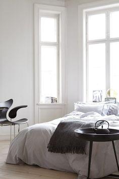 Stylist: Kirsten Visdal, photo:Margaret M de Lange. Katalog Høie