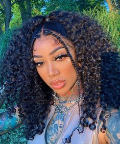 """#Goddessgang CEO 🦋 🇯🇲 on Instagram: """"Thought I changed back to my blonde hair didnt you ?? 👩🏼🦳 Or maybe I did...  or maybe it's an entirely different color and y'all just…"""" Cute Hairstyles For Medium Hair, Black Girls Hairstyles, Medium Hair Styles, Curly Hair Styles, Natural Hair Styles, Hair Inspo, Hair Inspiration, Beach Braids, Baddie Hairstyles"""