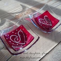 M&D Glass fused glass Heart ring dish