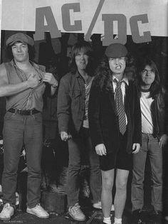 AC/DC!! hahaaaaa! look at those little guys