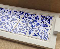 Bandeja mdf base azulejo duplo | Atelier Marcela Freitas - Criações Personalizadas | Elo7