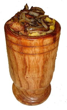 Puerto Rican Mofongo - (A traditional serving. No recipe here. just a food presentation pic I'm pinning for the meat and grilled onion topping idea. Puerto Rican Dishes, Puerto Rican Cuisine, Puerto Rican Recipes, Spanish Dishes, Spanish Food, Hispanic Dishes, Comida Boricua, Puerto Rico Food, Puerto Rican Culture