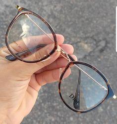 Glasses Frames Trendy, Vintage Glasses Frames, Glasses Trends, Lunette Style, Fashion Eye Glasses, New Glasses, Eyeglasses For Women, Mode Style, Club Style