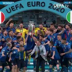 Touko Pokemon, Italy Soccer, Uefa Champions League, Imvu, Football Team, Cruise, Basketball Court, Photo And Video, Guys
