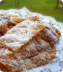 Traditional Venice Carnival recipes: frittelle, galani and castagnole
