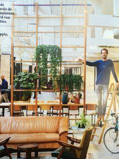 oud klimrek met planten Fairphone HQ