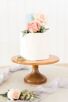 Pastel Pink and Blue Petite Floral Wedding Cake inspiration 🎶 Blush Pink Wedding Cake, Pastel Wedding Cakes, Wedding Cake Fresh Flowers, Cool Wedding Cakes, Elegant Wedding Cakes, Wedding Cake Designs, Wedding Cake Toppers, Blue Wedding, Wedding Ideas