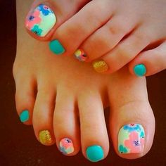 Flower toe desihns