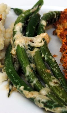 Recipe :: Jamie Oliver's Best Ever Green Beans - I made these tonight and left out the cheese and they were REALLY good. I added some chopped up tomato and sauteed mushrooms too
