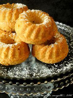 Ces petits gâteaux sont parfaits pour legoûter du mercredi après-midi: ils sont rapides à réaliser, ils embaument la maison de leur délicieux parfum et font saliver les papilles des petits et grands lutins qui rodent ... Biscuit Sans Gluten, Allergies Alimentaires, Patisserie Sans Gluten, Sans Gluten Sans Lactose, No Cook Desserts, Onion Rings, Sweet Cakes, Fodmap, Food Allergies