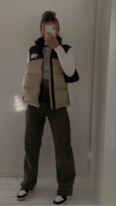 Indie Outfits, Retro Outfits, Cute Casual Outfits, Fashion Outfits, Moda Streetwear, Streetwear Fashion, Tomboy Fashion, Look Fashion, Aesthetic Fashion