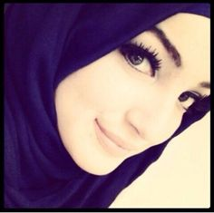Find images and videos about girl, beauty and islam on We Heart It - the app to get lost in what you love. Hijab Gown, Hijab Niqab, Muslim Hijab, Beautiful Hijab Girl, Beautiful Muslim Women, Gorgeous Eyes, Arab Girls, Muslim Girls, Hijab Style Tutorial