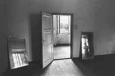 Anne Arden McDonald – Arresting Black and White Self Portraits