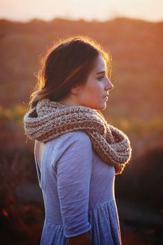 crochet scarf / fall style / infinity scarf / iffoundmake.blogspot.com