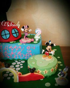 Mickey house club cake