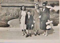 1945 TAKSİM ANITI...ANNEM ABLASI KIZI OĞLU..   Tahire Özel aile arşivi ve adına yeniden albüme yüklenmiştir