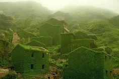 Abandoned places, chinese fishing village on Gougi island