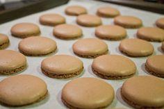 macarons-baked-crown-foot