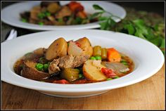 Hearty Beef Stew - only 300 calories per serving!  Yum :)