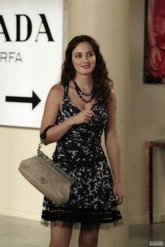 Leighton Meester Blair Waldorf, Gossip Girl That dress ! Gossip Girl Blair, Gossip Girls, Gossip Girl Season 5, Moda Gossip Girl, Estilo Gossip Girl, Blair Waldorf Gossip Girl, Gossip Girl Outfits, Gossip Girl Fashion, Gossip Girl Style