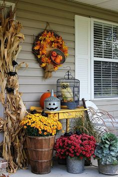 Transitioning A Porch From Fall To Halloween