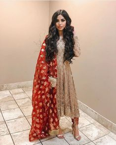 Image may contain: one or more people Pakistani Fashion Party Wear, Pakistani Dresses Casual, Pakistani Wedding Outfits, Pakistani Dress Design, Indian Fashion, Pakistani Clothing, Wedding Hijab, Punjabi Wedding, Dress Indian Style