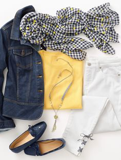 Brighten up your look this season with indigo & yellow. Pattern-popped with stripes & prints (we adore touches of gingham)! Mode Outfits, Casual Outfits, Fashion Outfits, Womens Fashion, Fashion Trends, Casual Blazer, Blazer Outfits, Spring Summer Fashion, Spring Outfits