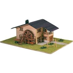 Chalet en Kit: Chalet con noria // Cottage Kit: Waterheel. Kit, Architecture, House Styles, Outdoor Decor, Houses, Doll, Home Decor, Ferris Wheel, Chalets