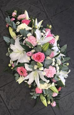 Flowers & Home is a independent florist in Castle Bromwich, near Birmingham specialising in exquisite floral arrangements to suit any occasion. Grave Flowers, Altar Flowers, Cemetery Flowers, Funeral Flowers, Wedding Flowers, Arrangements Funéraires, Funeral Floral Arrangements, Church Flower Arrangements, Flower Shop Decor