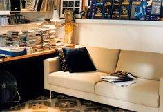 The Park Sofa is characteristic for Jasper Morrison's philosophy of 'super normal' design.