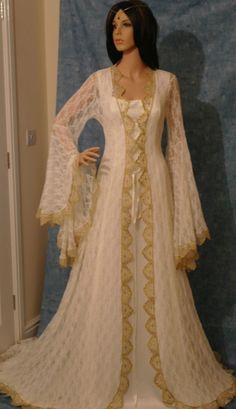 Medieval Wedding Dresses www.disfracesgamar.com Vestidos Medievales para Bodas Make to Measure