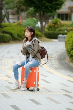 Young Actresses, Korean Actresses, Korean Actors, Actors & Actresses, Korean Dramas, Jung So Min, Hwang Jin Uk, Kim Book, Playful Kiss