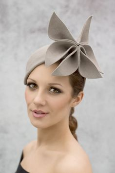 Hand formed grey cocktail hat  maggiemowbraymillinery Sombrero Ingles 47c7b487498