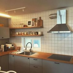 주방 Kitchen Interior, Room Interior, Home Interior Design, Interior Decorating, Wooden Kitchen, Kitchen Dining, Kitchen Decor, Muji Home, Interior Design And Construction