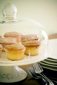 caramel cupcakes...for that one day when I have the time to make old fashioned caramel