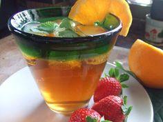 Refresco de te earl grey con naranja y melisa. Ver la receta http://www.mis-recetas.org/recetas/show/29334-refresco-de-te-earl-grey-con-naranja-y-melisa