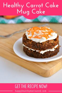 Healthy Carrot Cake Mug Cake - Microwave + Oven Recipes! Looking for healthy Easter recipes? You'll love this healthy carrot cake mug cake! You make it in the microwave in just a couple of minutes and it makes a perfect single serving. Mug Cake Healthy, Healthy Sweet Snacks, Healthy Carrot Cakes, Healthy Kids, Happy Healthy, Healthy Treats, Healthy Cooking, Healthy Food, Sweet Treats
