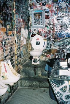 Mythic CBGB's toilet, New York City