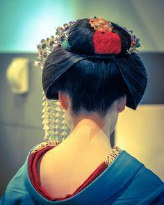 桔梗の簪と割れしのぶ 舞妓 maiko KYOTO, JAPAN