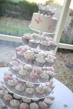 Winter wonderland wedding cupcakes by Cotton and Crumbs, via Flickr