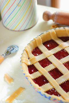 Pasta frolla vegana di Montersino, senza uova nè burro. - Operazione Fritto Misto Apple Pie, Yogurt, Deserts, Food And Drink, Cooking, Cake, Sweet Sweet, Kitchenaid, Recipes