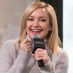 "The adorable @katehudson in our Rose Gold and Diamond Dagger Ring and Cage Band yesterday at our friends @themomsnetwork Mamarazzi and @aol.build Presents ""Kung Fu Panda 3"" in NYC.  Beautifully styled by @SophieLopez.  #KateHudson #valentinesday #GiftIdeas #KungFuPanda3 #themoms #aolbuild #nyc #finejewelry #MadeInLA #rachelkatzjewelry"