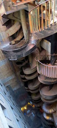 Ten storey slide at the City Museum, St. An awesome place for families. Our kids insist that it's more fun than Disney. Oh The Places You'll Go, Places To Travel, Places To Visit, Kansas City Missouri, Kansas City Museum, St Louis Mo, Senior Trip, Dream Vacations, Vacation Destinations