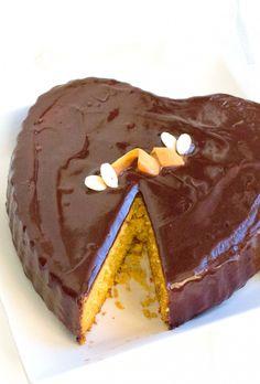 Torta_Carote_mandorle_san_valentino_Verticale_2