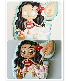 "Коллаж ""До и после"", давно таких не было. #processmr #royalicingcookies #gingerbread #decoratedcookies #cookiedecoration #sugarart #пряник… Macaroon Cookies, Meringue Cookies, Galletas Cookies, Cupcake Cookies, Sugar Cookies, Moana Cookies, Disney Cookies, Gingerbread Icing, Moana Theme"
