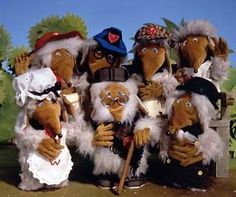 Underground, overground Wombling free - The Wombles 1970s Childhood, Childhood Memories, Childhood Games, Kids Tv Shows, Vintage Tv, Vintage Items, 80s Kids, Classic Tv, Classic Films