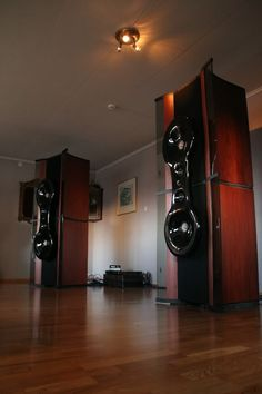links to webpages with pictures and descriptions of Audio Systems with hornspeakers - Page 3 - Audio Voice Acoustics