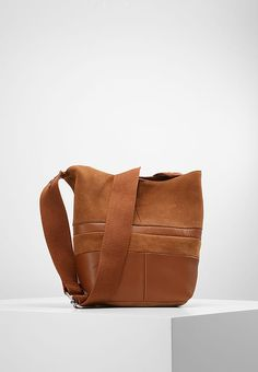 KIOMI Across body bag - cognac - Zalando.co.uk