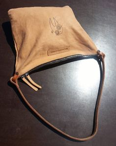 #handmade #leatherbag #facebag #qualitytime #accessories #minimalism  #bag #fashion #contest #newlife #bag #leathercraft #custom #vintage #vegtan #briefcase #relax #uni #time #bagmaker #perspective #wanderlust #architecture